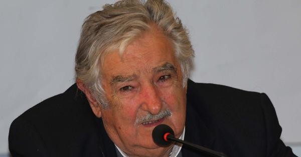 "THE WORLD's 'POOREST"" PRESIDENT MUJICA in ISTANBUL"