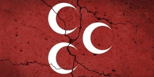 MHP, OKTAY VURAL'ın İSTİFASIYLA SALLANDI