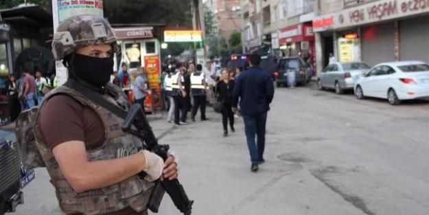 DİYARBAKIR'da 1400 POLİSLE OPERASYON