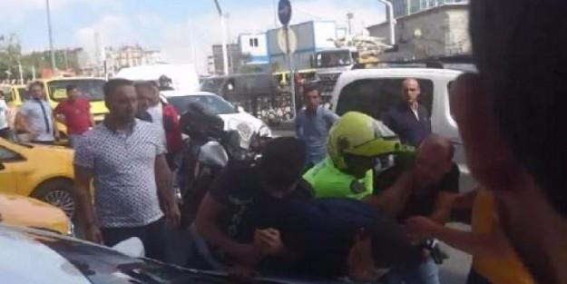 POLİSLERE 'POLİS GELSİN' DİYEREK DİRENDİ