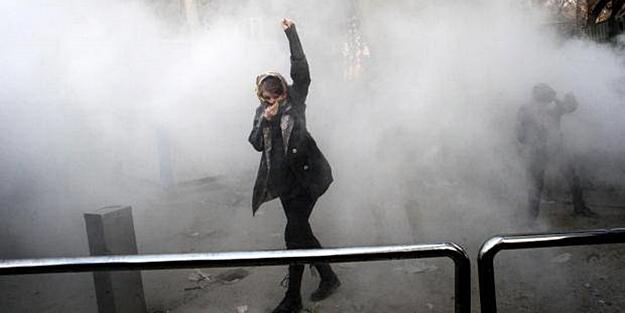 İRAN#039;da OLAYLAR TIRMANIYOR: #039;ÖLÜ SAYISI ARTTI#039;