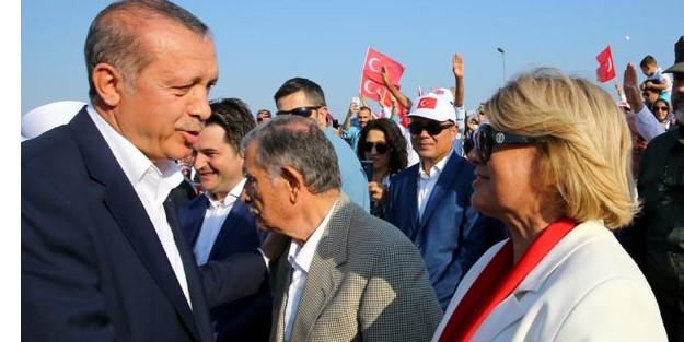 TANSU ÇİLLER AKP#039;nin YENİKAPI MİTİNGİNDE