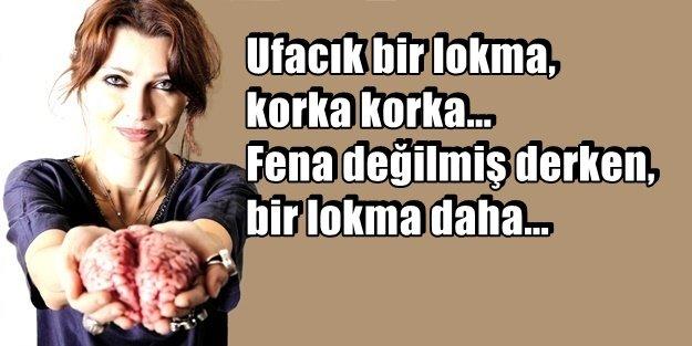 ELİF ŞAFAK YİNE SAF DEĞİŞTİRDİ!