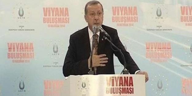 KÜRSÜDEN ATATÜRK'E DE SALDIRIYOR ARTIK!