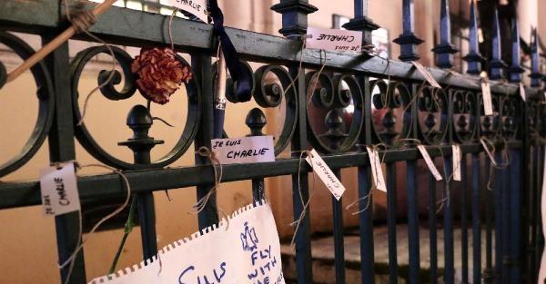 TAKSİM'de CHARLIE HEBDO SALDIRISINA BÜYÜK PROTESTO