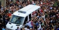 TARIK AKAN MAHŞER#039;e MAHŞERİ BİR KATILIMLA UĞURLANDI