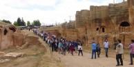 1400 YILLIK MEZARLIK ZİYARETÇİLERE AÇILDI
