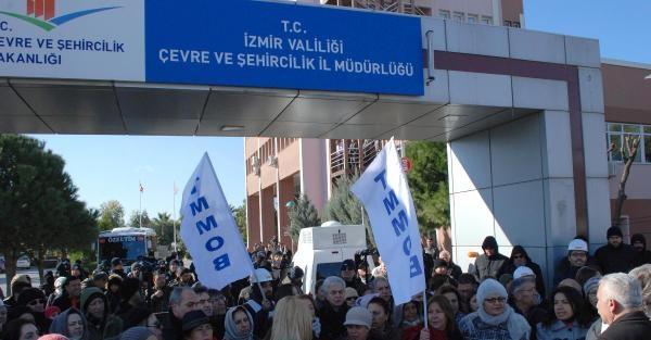 TMMOB İZMİR'den 'TORBA YASA'ya SİYAH ÇELENK